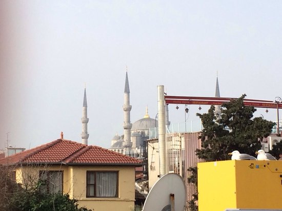 "Megara Palace Hotel : View from terras ""Blue camii"""