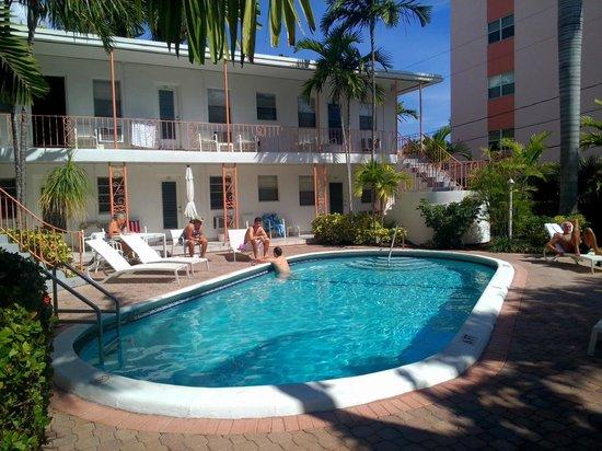 Winterset Hotel: deuxième piscine