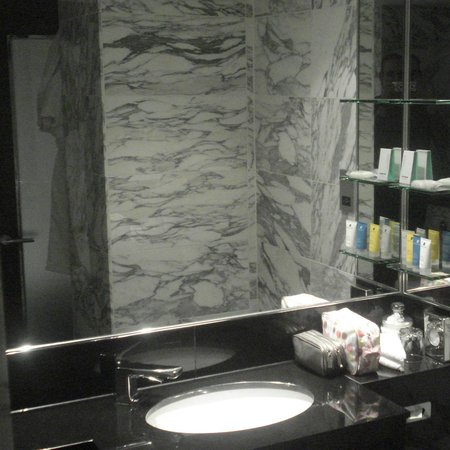 The Marylebone : Spotless Bathroom - Marylebone