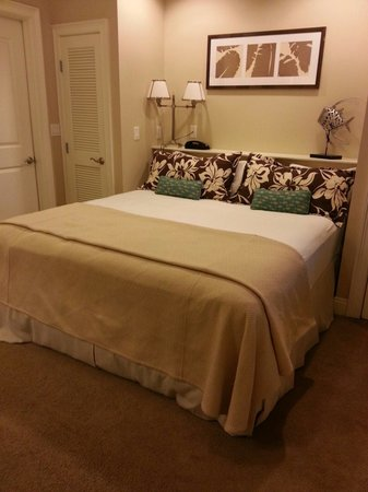 Carillon Beach Resort Inn: Bedroom