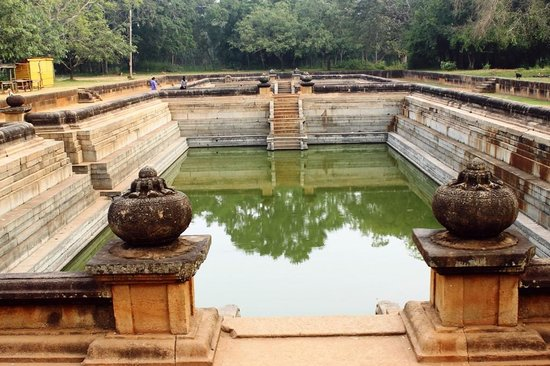 Twin Baths (Kuttam Pokuna)