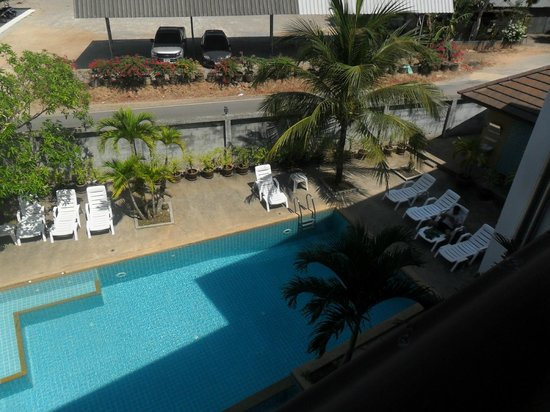 Krabi Cozy Place Hotel: Pool photo from room