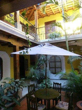 Posada Los Bucaros: Inner courtyard