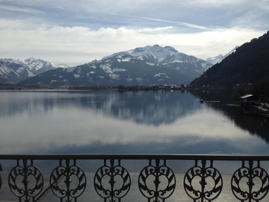 Grand Hotel Zell am See: View from our room
