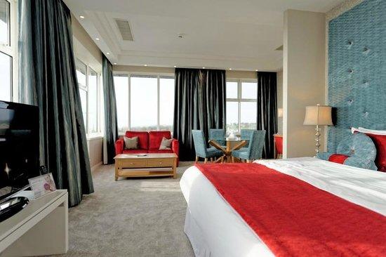 Radisson Blu Hotel & Spa, Sligo: Come back beige and magnolia - all is forgiven