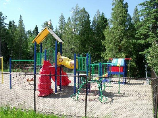 Camping Le 4 Chemins : Parc d'amusement