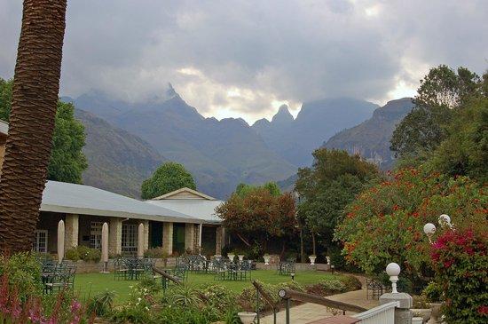 Cathedral Peak Hotel : Bit cloudy