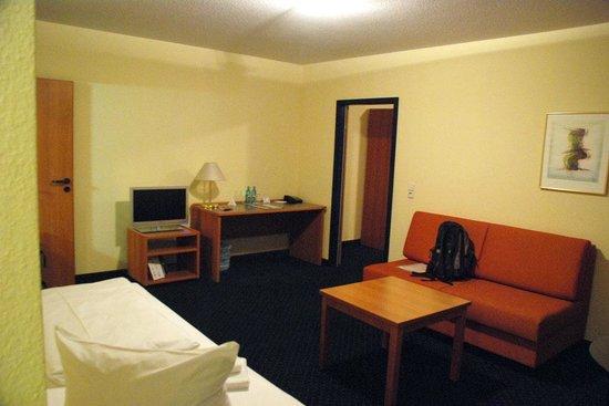 ACHAT Comfort Dresden: room 401