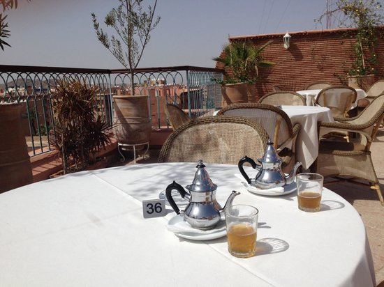 Hotel le Caspien: Tea on the roof terrace