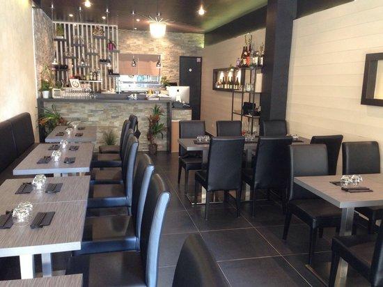Maruya Dining Japanese : Salle de restaurant