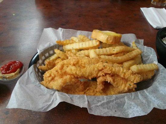 PawPaw's Kajun Kitchen: Catfish basket, yum!