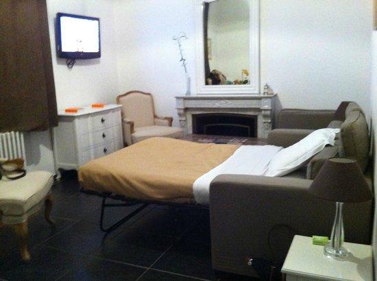 Au Vin Chambré : le salon côté canapé-lit