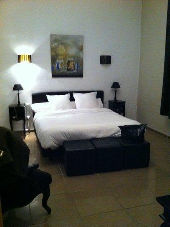 Au Vin Chambré : la chambre avec lit king size