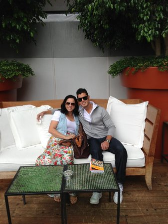 Mondrian Los Angeles Hotel : Enjoying the day at Mondrian Hotel!