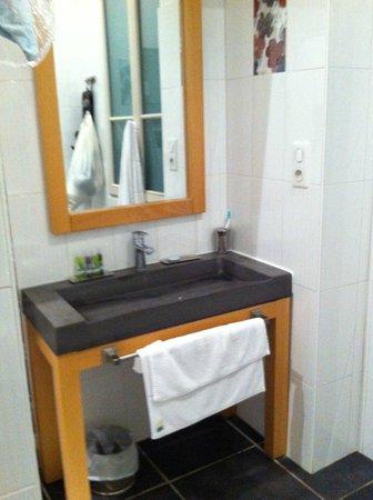 Au Vin Chambré : le lavabo