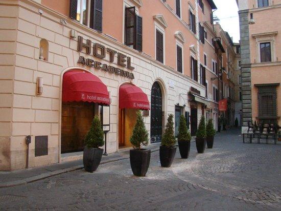 Accademia Hotel : frente del hotel y piazzeta