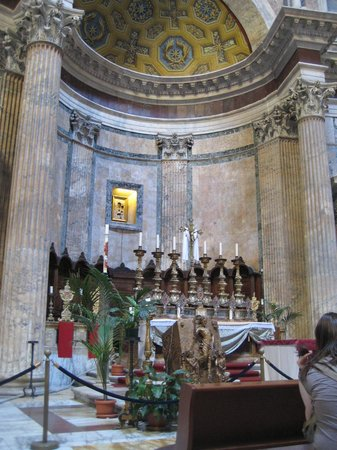 Hotel Diocleziano : The Pantheon Alter