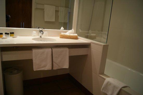 Hotel Sol Ixent: Baño