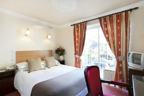 Leeson Bridge Guesthouse: A Room Sample