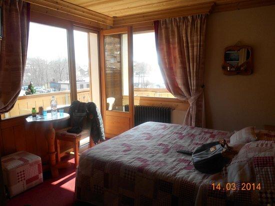Hotel Les Ecureuils: Chambre