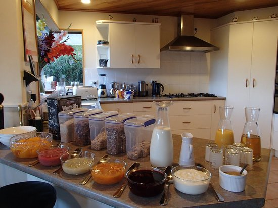 Wentworth Heights Bed and Breakfast : Breakfast Buffet