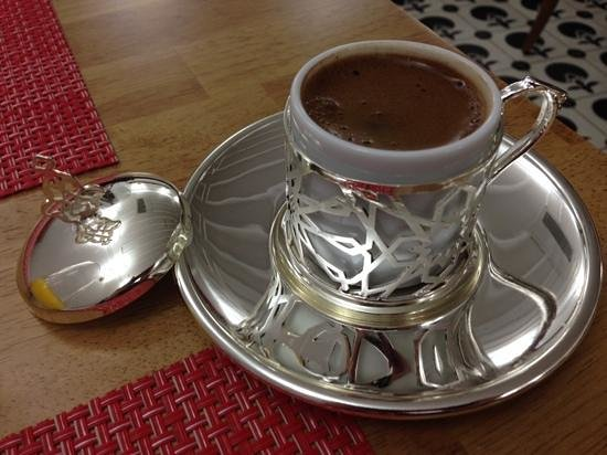 Premist Hotel : what a treat to be offered Turkish coffee in this lovely cup