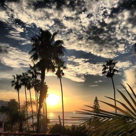 La Valencia Hotel: sunset from Ocean Villa