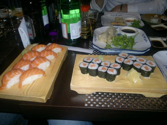 Sakura: Sake Maki e Nigiri Sake