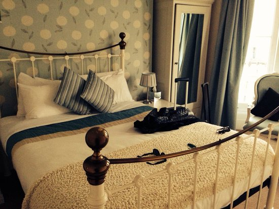 Cross Street Guesthouse : Lovely bed.