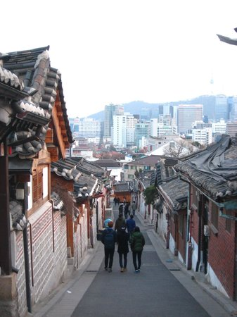 Bukchon : Famous view point at Hanok
