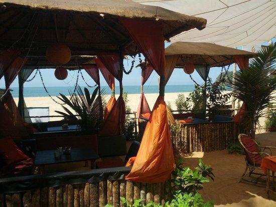 Sonho do Mar: communal area on the beach