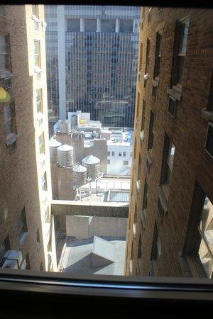 Row NYC Hotel: Vue du vingtième étage dans la cour.