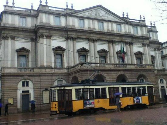 Scala de Milan (Teatro alla Scala) : facciata principale