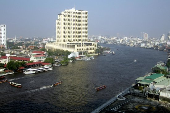 Royal Orchid Sheraton Hotel & Towers: View from Hotel Room