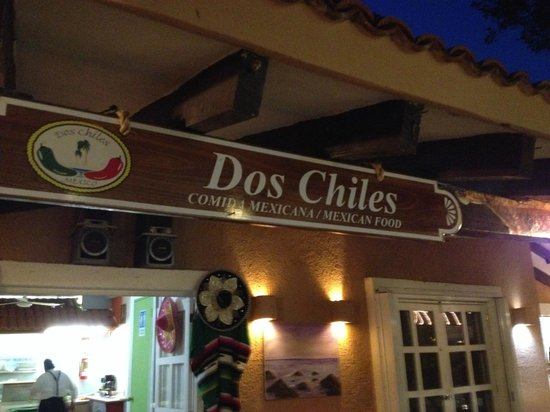 Dos Chíles: Night out on the town of Puerto Adventuras