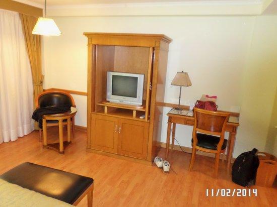 """Hotel Villa Huinid Bustillo : """"MARAVILLOSO"""" TV"""