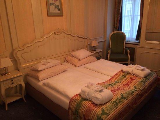Schlosshotel Roemischer Kaiser: Стандартный номер