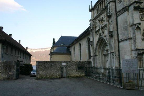Saint-Pierre-de-Curtille, France : Particolare dell'Abbazia