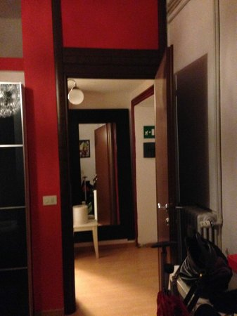 ZagreoBio B€B : camera matrimoniale - ingresso stanza