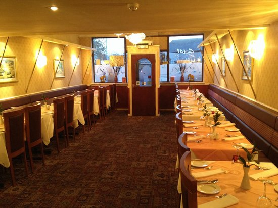 Sitar Tandoori Restaurant: A very traditional ambience of the Sitar