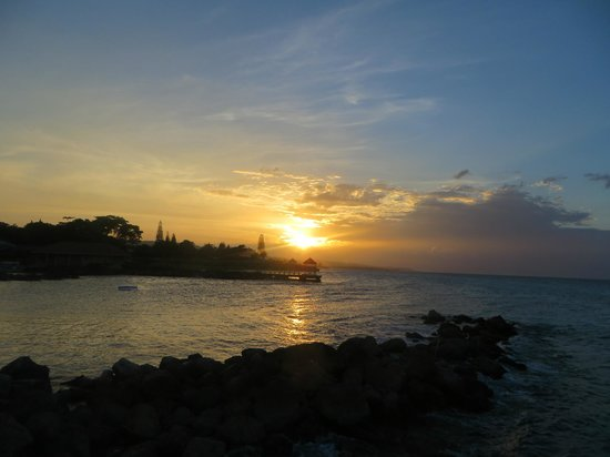 Franklyn D Resort & Spa: Gorgeous sunsets!