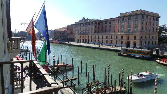 Hotel Carlton on the Grand Canal : Belle vue sur le canal