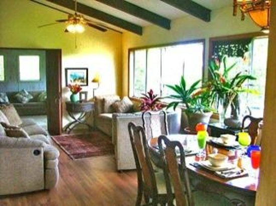 Gay Hawaii Bed and Breakfast: Gay Hawaii B&B  Kalapana Pahoa Great Room