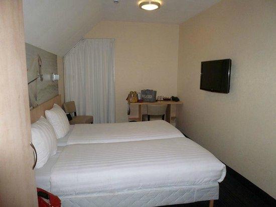 Hotel Iron Horse: habitación twin. Vista lateral