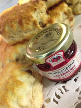 The Gossips Cafe: Lovely cream teas