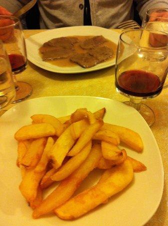 La Tavernetta : Patatine come non se ne trovano! Scaloppine al limone fantastiche!!!!