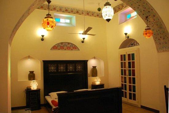 The Kothi Heritage: bed room
