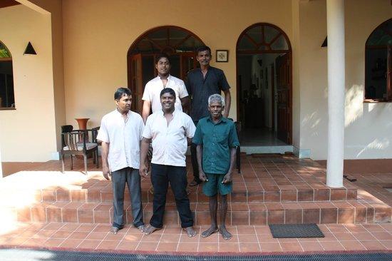 Shangri-Lanka Villa : die guten Geister des Hauses :-)
