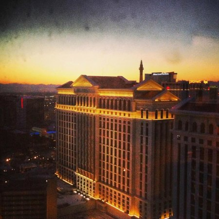 Caesars Palace : View of tower from room