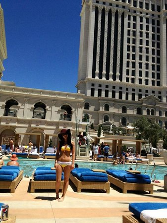 Caesars Palace: Pool